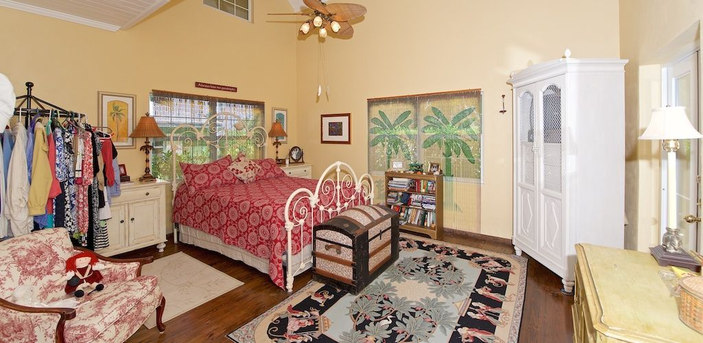 Palm House water front rental Spanish Wells