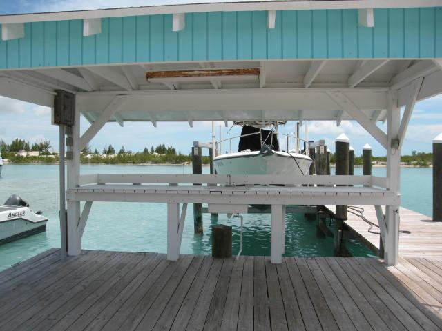 Eleuthera Bahamas harbour front cottage for sale