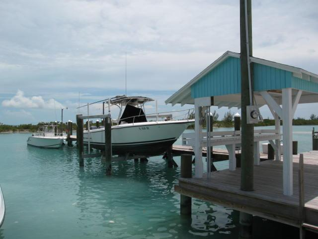 Spanish Wells Bahamas harbour front home and dock