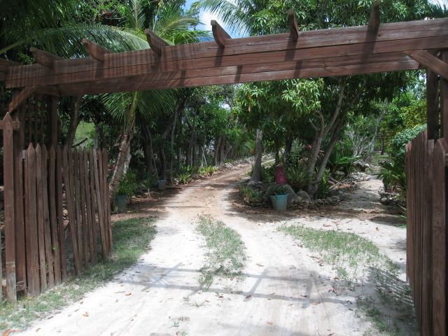 Beachfront home for Sale Russell Island Bahamas