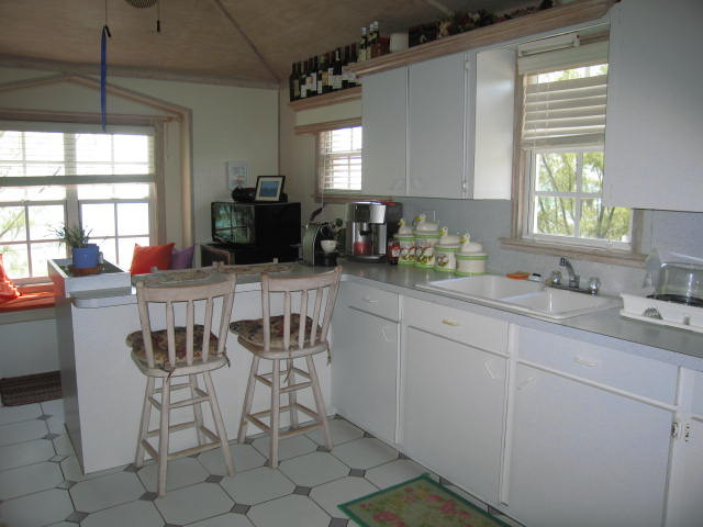 Waterfront Cottage for Sale Russell Island Bahamas